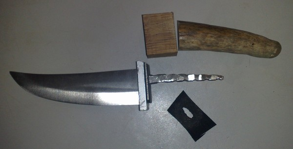 ручка на нож из рога лося